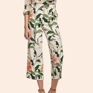 Ann Taylor garden floral print capri pants size 0